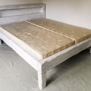 biela-postel1