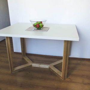 jedalenky_stol_
