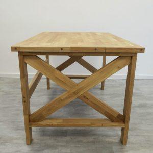 dubovy_stol